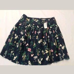 Ann Taylor LOFT Floral Print Pleated Skirt sz 00